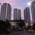 In diesem Block, Flora Ville, in Bangkok durften wir die Wohnung von Freunden benutzen.