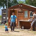 auf dem Overlander Camping