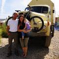 Schweizer Familie auf Weltreise mit ihrem riesen Monster!:-)