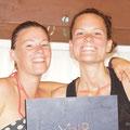 Nicky und Kathy am arbeiten, Reisebericht schreiben!:-)