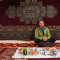 im Guesthouse in Khorog, wir können es nicht geniessen denken immer an Gandi