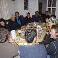 Essen im Gasthaus mit den Overlanders