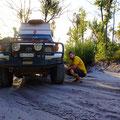 Pneudruck senken, um die nötige Traktion zu gewährleisten im Sand
