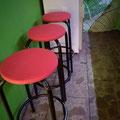 Unsere Stühle erhalten auch einen neuen Anstrich.