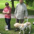 Martina mit Peter und sein treuer Begleiter Pepper