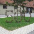 im Gestüt Marbach: Lauter Hufeisen symbolisieren das 500-jährige Bestehen