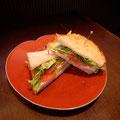 京地鶏の自家製ハムを使ったサンドイッチ ¥780