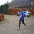 Mein 1. HM ging durch Holland / Emmericher Adventslauf 2005 / Zielzeit 2:10:42 / Schon bald laufe ich einen ganzen Marathon :-)