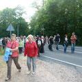 Die Zuschauer wandern zum Kleiststein