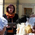 Dagmar Hamann begrüßt die Gäste