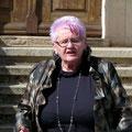 Frau Ute Hoch dankt den Spendern