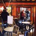 im Café in St. Brevin