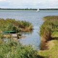 Der eigene Wasserzugang ist ein entscheidender Vorteil des Ostsee-Ferienhauses Kranichküste