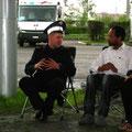 In Mariinsk stellt sich uns ein Polizist zu einer Gesprächsrunde