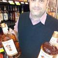 28.10.2011, Capitola in Kalifornien: Präsident beim Alk Shopping, 2x Captain Morgen zu je 3,8 Liter!!!