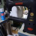 ミシン。革の縫製はこれでやります。