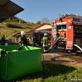 Der 3.000 Liter Faltbehälter dient als Pufferspeicher für das Löschfahrzeug