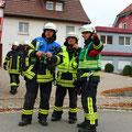 Gruppenführer 74, Einsatzleiter und Zugführer beraten die Vorgehensweise