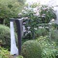 ponte verticale,marmo bardiglio, granito nero, collezione privata