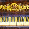 Fortepian stołowy - XIX wiek
