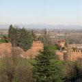 Veduta del lato est del castello