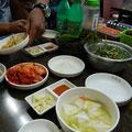 キムチは毎食色んな種類が出ました。辛いけど美味しかった!