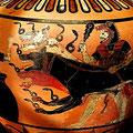 Hercule et Cerbère. Hydrie de Caeré à figures noires. Peintre des Aigles, Cerveteri, vers 525 av JC. / JH