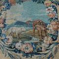 Paravent de la Savonnerie, détail, cartouche fable d'Esope, Le loup et l'agneau. Ph. Y.F.