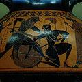 Heraclès et Kyknos.  Amphore à figures noires. Peintre de Witt. Athènes, vers 560-550 av JC. / JH