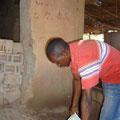 Preparazione del mangime negli appositi secchi