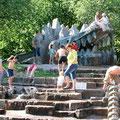 Abenteuerspielplatz mit Wasserattraktionen
