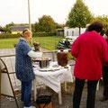 Suppen-Fischbrötchen-saure Gurken-Verkauf
