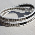 Cuir Blanc et Perles Cartouches Gris métal et Noir 35€