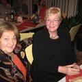 Die dazugehörenden Ehefrauen: Ulla Sondershausen und Marianne Henkel