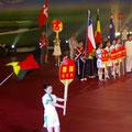 Marianne Blasberg trägt die deutsche Fahne