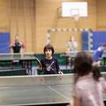 Erste Tischtennisversuche