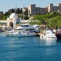 Blick zum Großmeisterpalast und Nea Agora