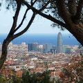 Blick vom Park Güell zum Torre Agbar