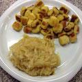 Daumnidei mit Sauerkraut