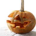 ハロウィーンのかぼちゃ(ジャック・オー・ランタン作り)