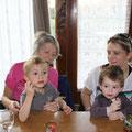 Laure (une fille de Christiane C.) et ses 2 petits nous a rendu visite. (CLR)