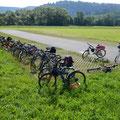 Alle Fahrrad parken in Reihe. Nun, fast alle.