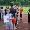 Semih führt die Jungen der Klasse 7a an.