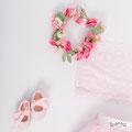 Blumenkranz und Tüllrock für Babybauchbilder in Riegel