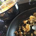 Suppe wartet. Zwiebel fertig.