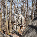 Site insolite des roches qui dansent classé historique et d'escalade