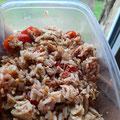 salade de riz, tomate, thon