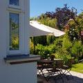 Terasse mit Sitzplatz im Garten