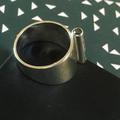Gematteerd zilver met zwarte diamant