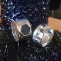 Zilver met ruwe en geslepen saffier